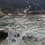 神社水しぶき